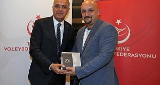 U23 Milli Voleybol Takımımız' a kutlama yemeği