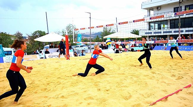 Balkan Plaj Voleybolu Şampiyonası'nda Yarı Finaleldeyiz