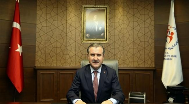 Gençlik ve Spor Bakanı Bak'tan millilerimize tebrik mesajı