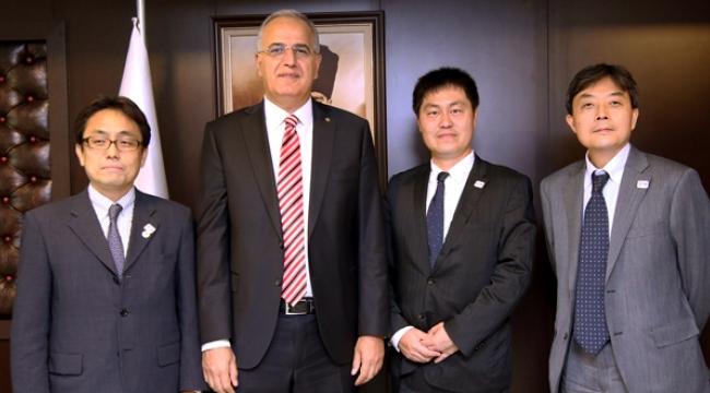 Japon Temsilciler M. Akif Üstündağ'ı Ziyaret Etti