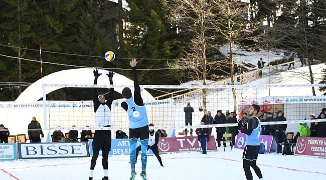 TVF Kar Voleybolu Şampiyonası Artvin'de Başladı