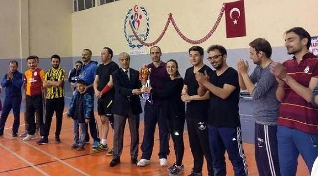 Ahlat'taki voleybol turnuvası sona erdi