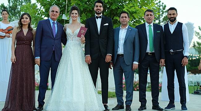Ceyda ile Samed evlendi