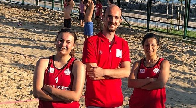 İstanbul Voleybol Set Vermeden Şampiyon!