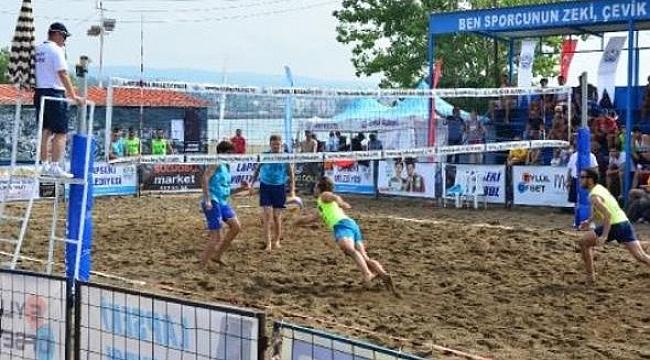 Lapseki Plaj Voleybolu Turnuvası tamamlandı