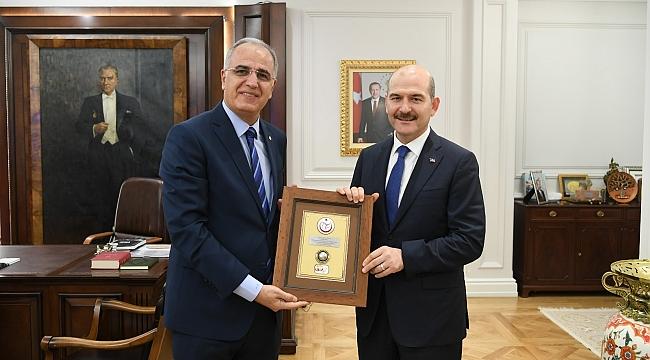 Üstündağ, İçişleri Bakanı Soylu'yu Ziyaret Etti