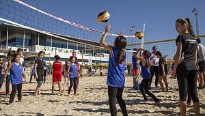 CEV Plaj Voleybolu Festivali Antalya'da yapıldı