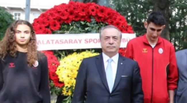 Mustafa Cengiz, genç voleybolcularla buluştu