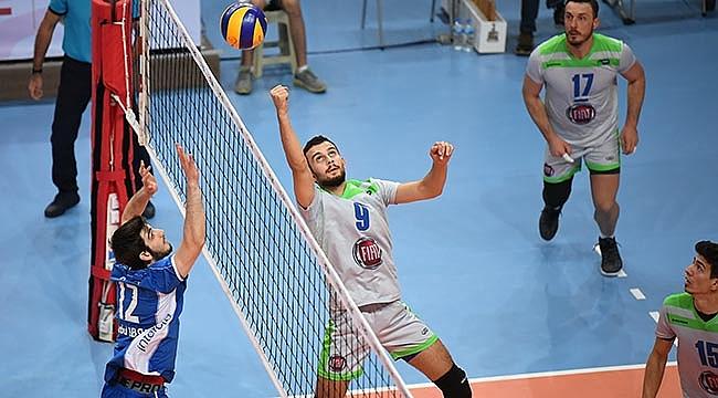 Bornova Anadolu Lisesi tie-break'te kazandı