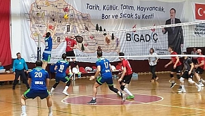 Bigadiç Belediyespor Tofaş'a set vermedi