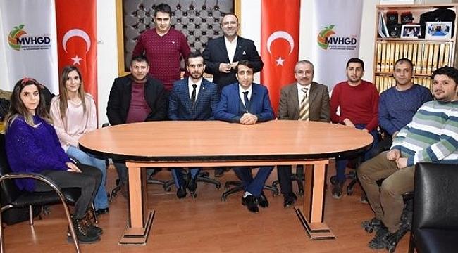 Malatya'da voleybol camiası, spor basınını ağırladı