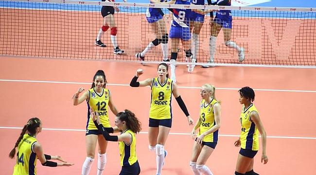 Fenerbahçe Opet, Türk Hava Yolları'nı hızlı geçti