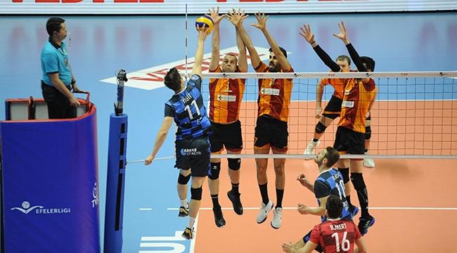 Galatasaray'dan, Arkas'a geçit yok