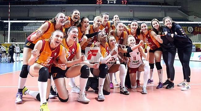 Galatasaray HDI Sigorta'dan, CSM Volei Alba Blaj'a set yok