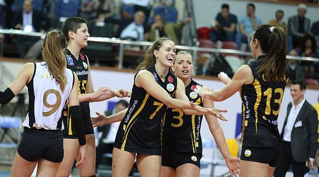 Axa Sigorta Kupa Voley'de Vakıfbank yarı finalde