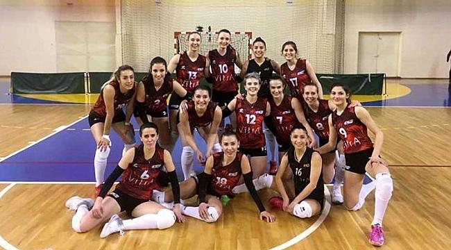 Bozüyük Belediyesi İdmanyurdu Bayan Voleybol Takımı 1. ligde