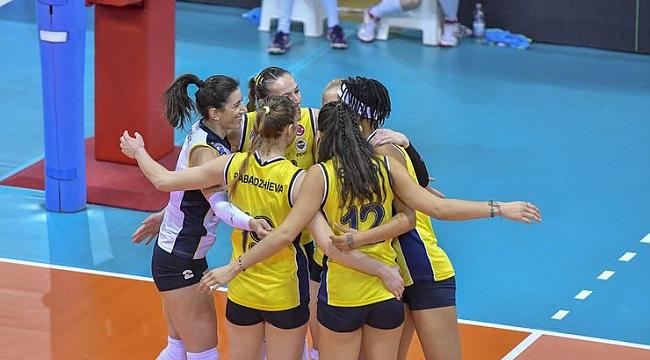 Fenerbahçe Opet avantajı kaptı