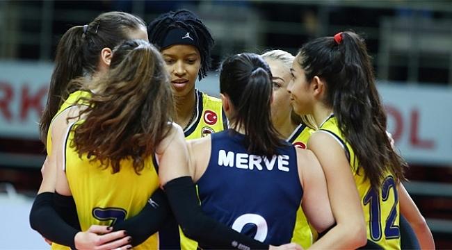 Fenerbahçe Opet evinde 3 puanı kaptı