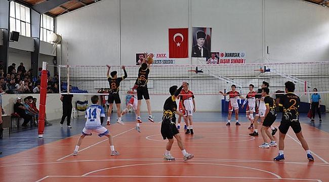 Simav'da voleybol heyecanı