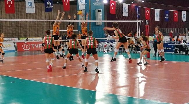 Yıldız Kızlar Türkiye Şampiyonası'nda 2. Gün Geride Kaldı