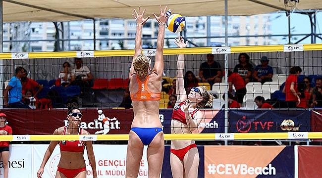 CEV U22 Plaj Voleybolu Avrupa Şampiyonası Antalya'da Devam Ediyor