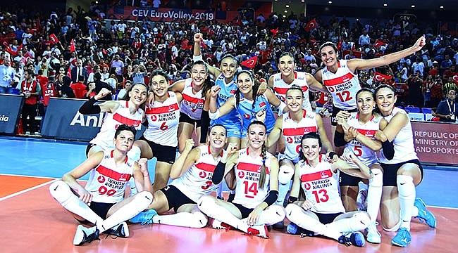 A Kadın Millilerimiz, Avrupa Şampiyonası'na galibiyetle başladı!