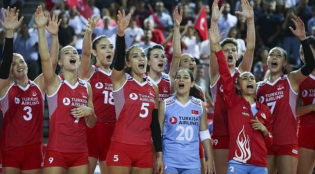 A Milli Kadın Voleybol Takımımız, 4'te 4 yaptı.