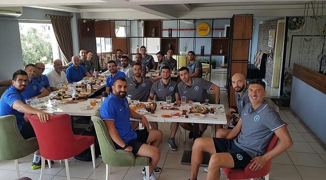 Bursa'nın efeleri kahvaltıda bir araya geldi