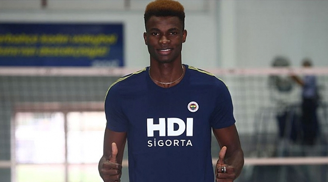 Arinze Kelvin resmen Fenerbahçe'de!