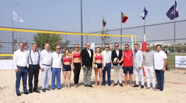 İzmir'de Balkan Plaj voleybolu heyecanı başlıyor
