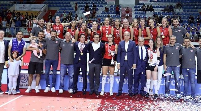 THY, Namağlup Balkan Kupası Şampiyonu!