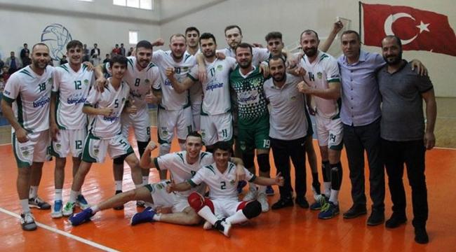 Solhanspor, Hatay Belediye'yi 5 sette geçti