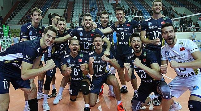 Arkas Spor, CEV Kupası'nda 8'li finalde