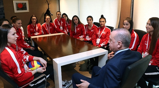 Cumhurbaşkanı Erdoğan, Filenin Sultanları ile buluştu
