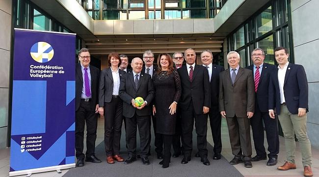 MHGK Başkanı Aziz Yener, Avrupa Hakem Komisyonu Toplantısına katıldı