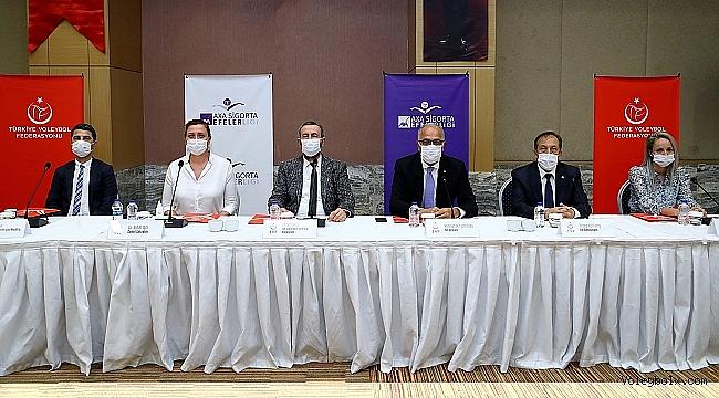 Efeler Ligi 2020-2021 Sezonu Değerlendirme Toplantısı Yapıldı