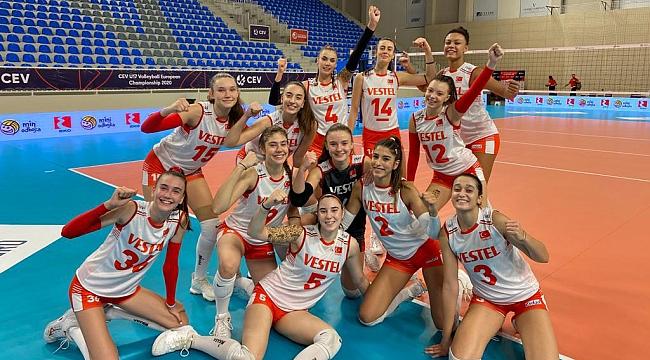 U17 Kız Millilerimiz, Namağlup Yarı Finalde