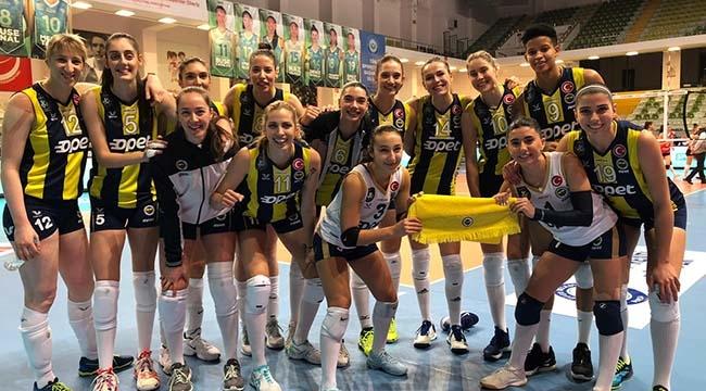 Fenerbahçe Opet set vermedi