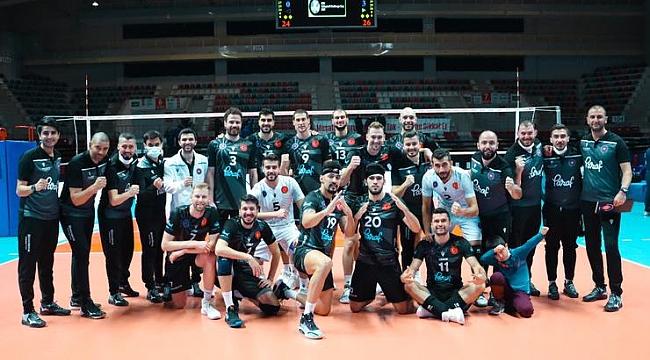 Halkbank, CEV Challenge Kupası'nda son 16'ya yükseldi