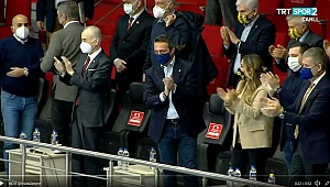 Galatasaray HDI Sigorta-Fenerbahçe Opet derbisinde örnek davranış