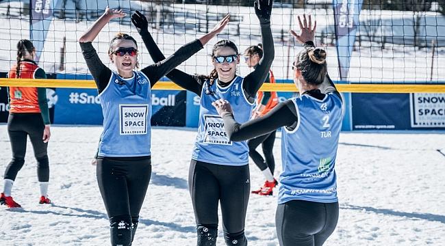 Kadın Kar Voleybolu Milli Takımımız, Wagrain Etabı'nda Yarı Finalde