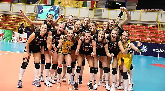 VakıfBank, toplamda 9'uncu kez Devler Ligi'nde finalde