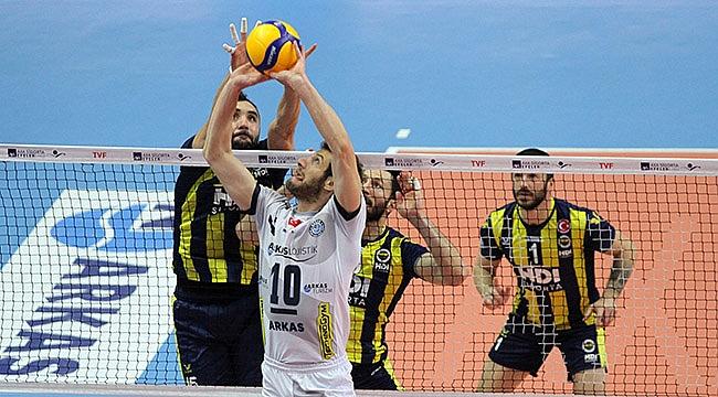 Fenerbahçe, Arkas'ı yenerek seriyi 1-1'e getirdi