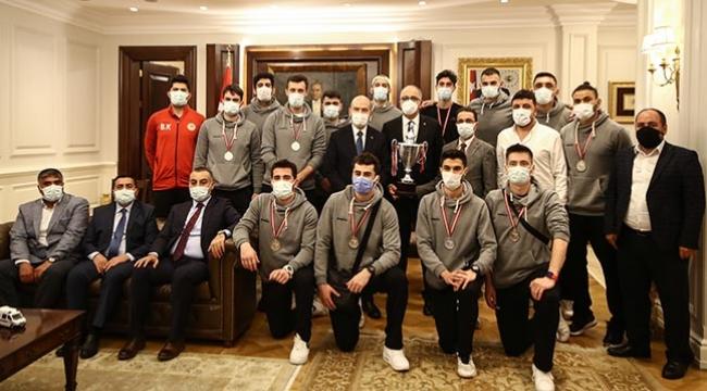 Soylu, Üstündağ ile Efeler Ligi'nin yeni ekiplerini kabul etti