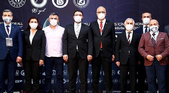 Başkan Üstündağ Herkes İçin Spor Zirvesi'ne katıldı