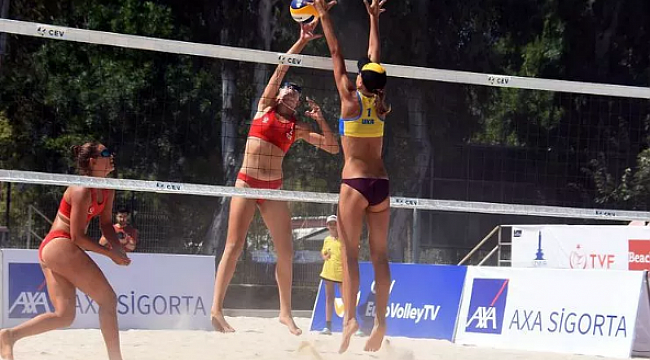 İzmir'de plajda büyük heyecan başladı