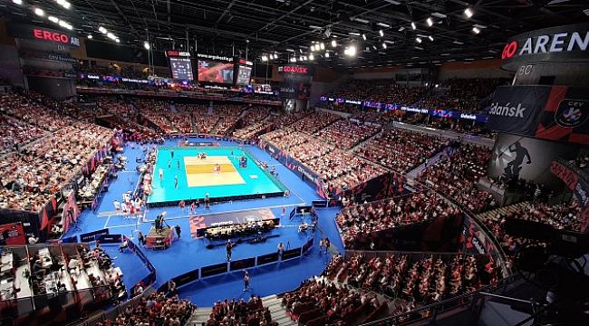 Sırbistan ve Polonya yarı finalde