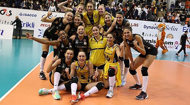 File derbisinde kazanan VakıfBank